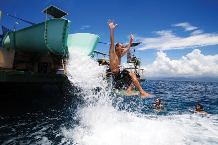 【蓝梦岛豪华邮轮一日游】潜艇,水道熘滑梯,各式各样水上活动任你玩!