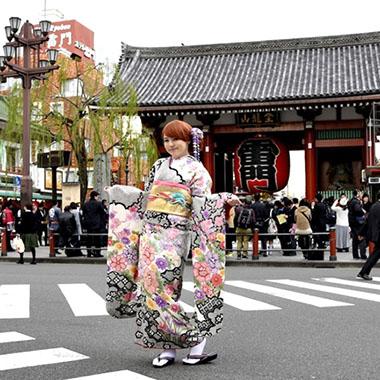 穿著日本和服漫步淺草體驗