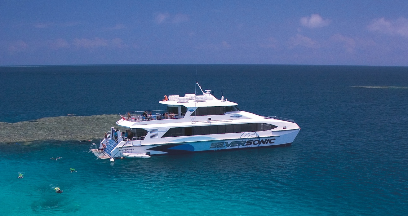 Great Barrier Reef Adventure Tour - Agincourt Reef (Silversonic)