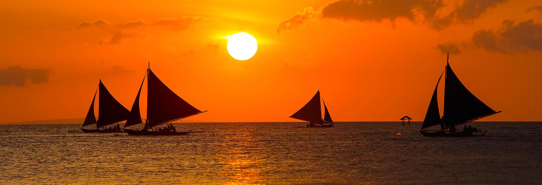 Boracay Island Sunset Cruise by Paraw