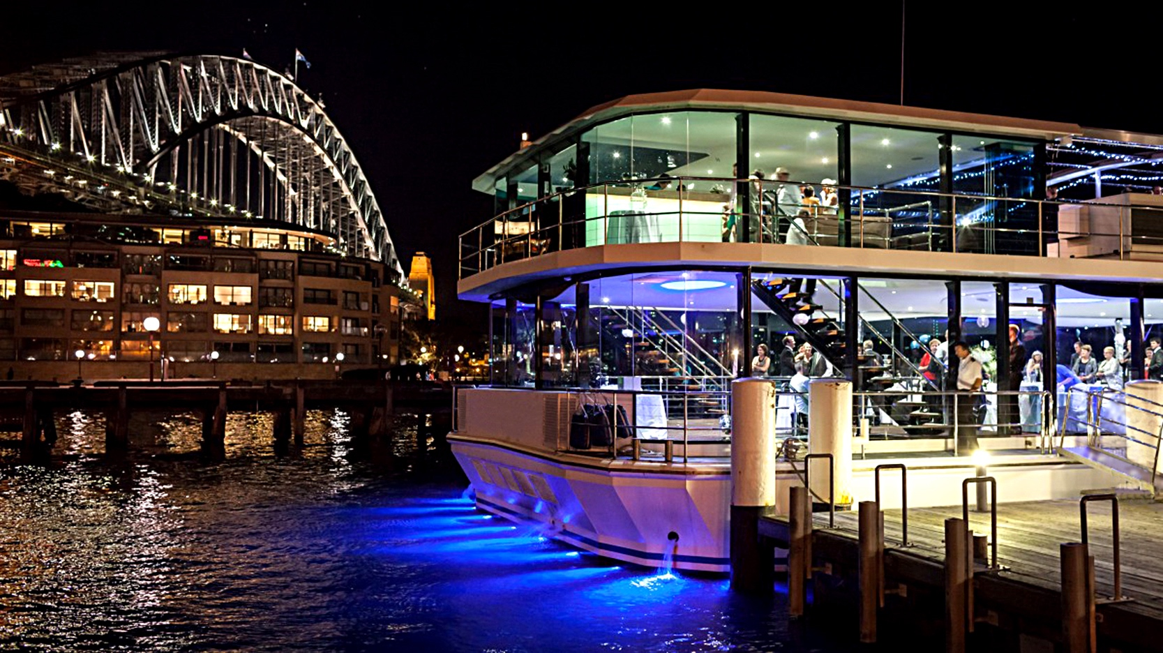 Clearview Glass Boat Dinner Cruise