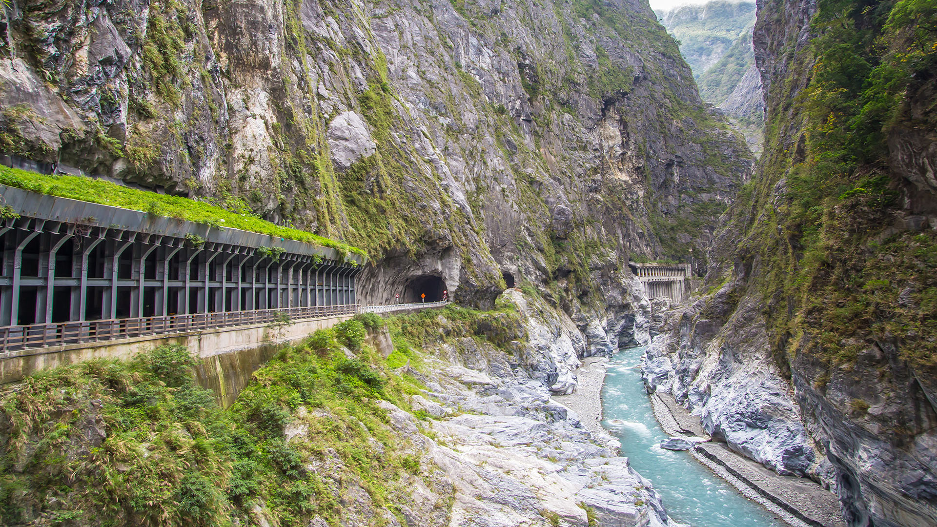 Taroko Gorge Day Tour from Taipei (Songshan Airport Roundtrip)