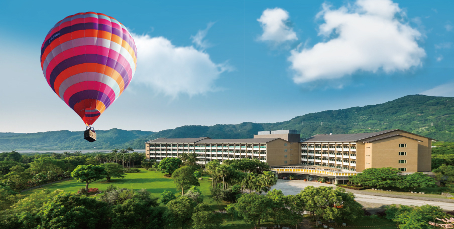 Taitung Luminous Hot Spring & Resort: Tethered Hot Air Balloon Experience with Breakfast Buffet