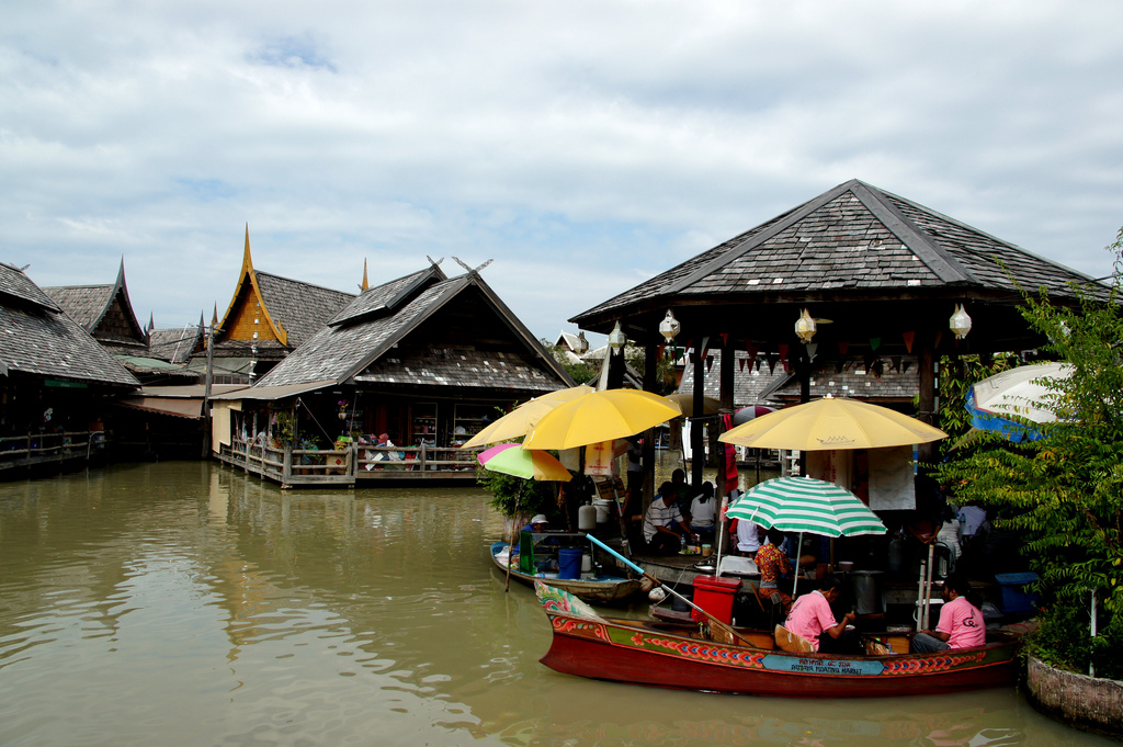 Pattaya Floating Market Boat Tour