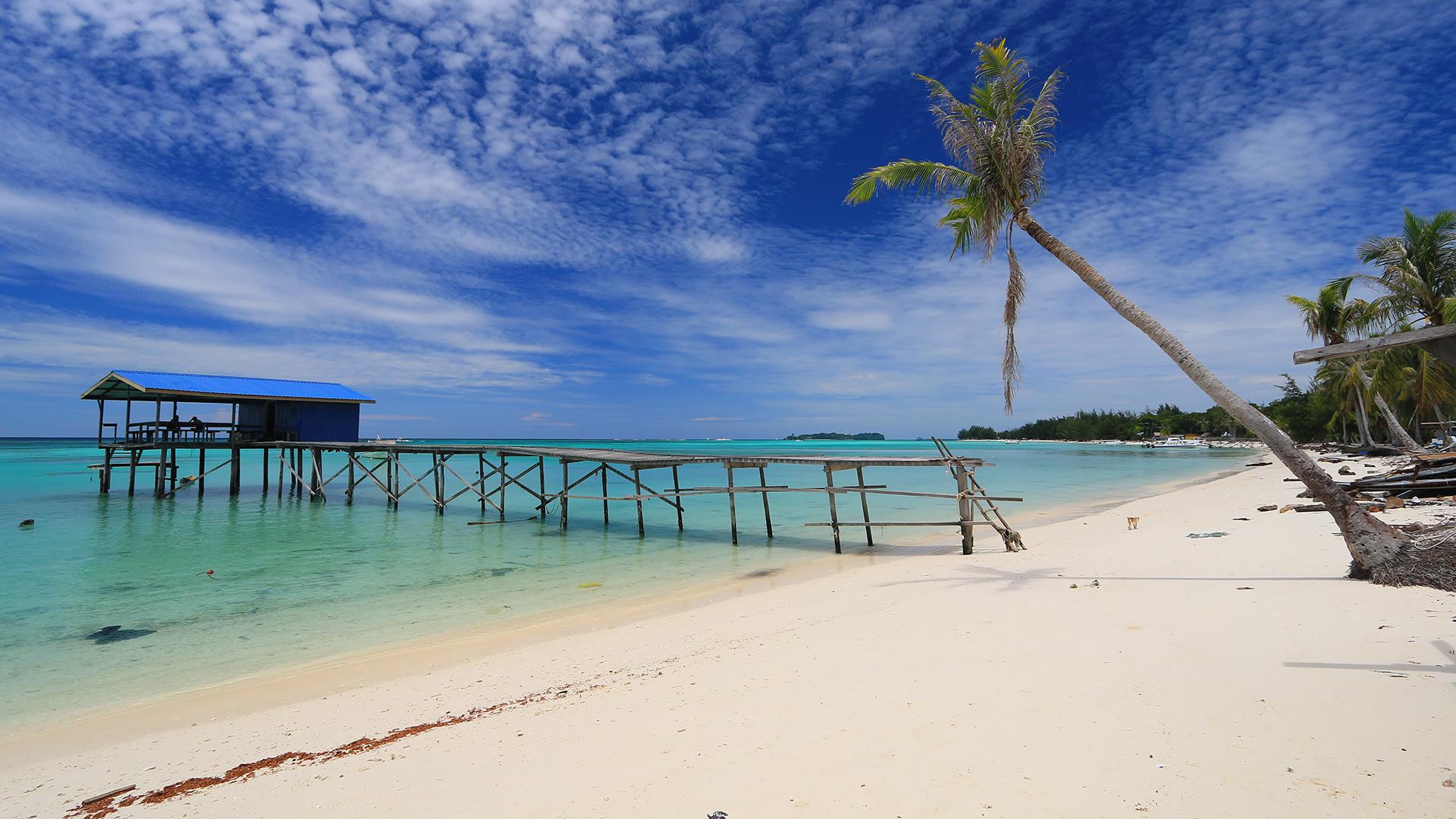 Mantanani Island and Kawa Kawa River Cruise Tour