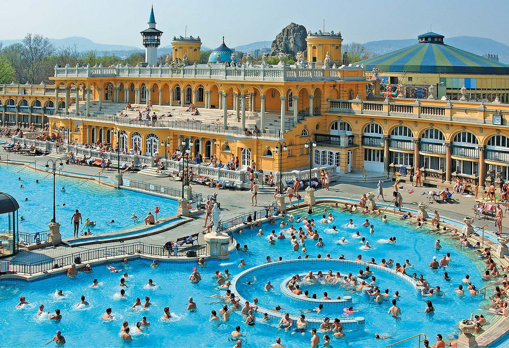 Budapest Széchenyi Thermal Bath Skip-the-line Ticket Image