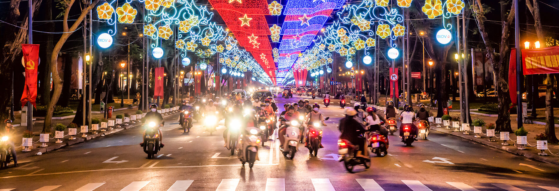 Saigon Nightlife At A Glance Private Tour