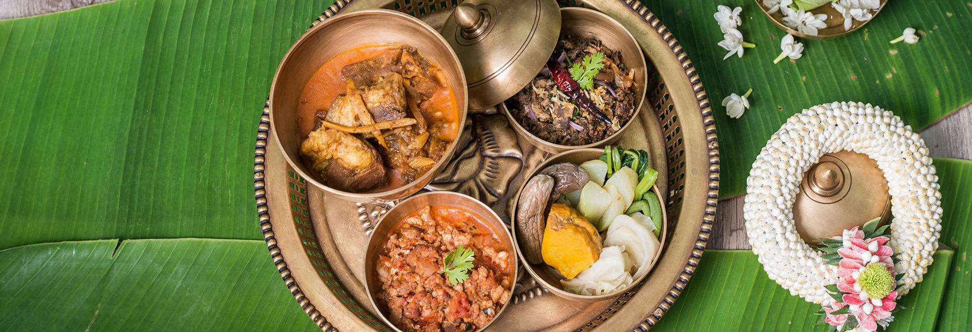 Khum Khantoke Thai Lanna Dinner and Culture Show